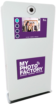 Rent interactive photobooth photocall for your events, rent photo printers, rent our PRESTIGE by My photo Factory
